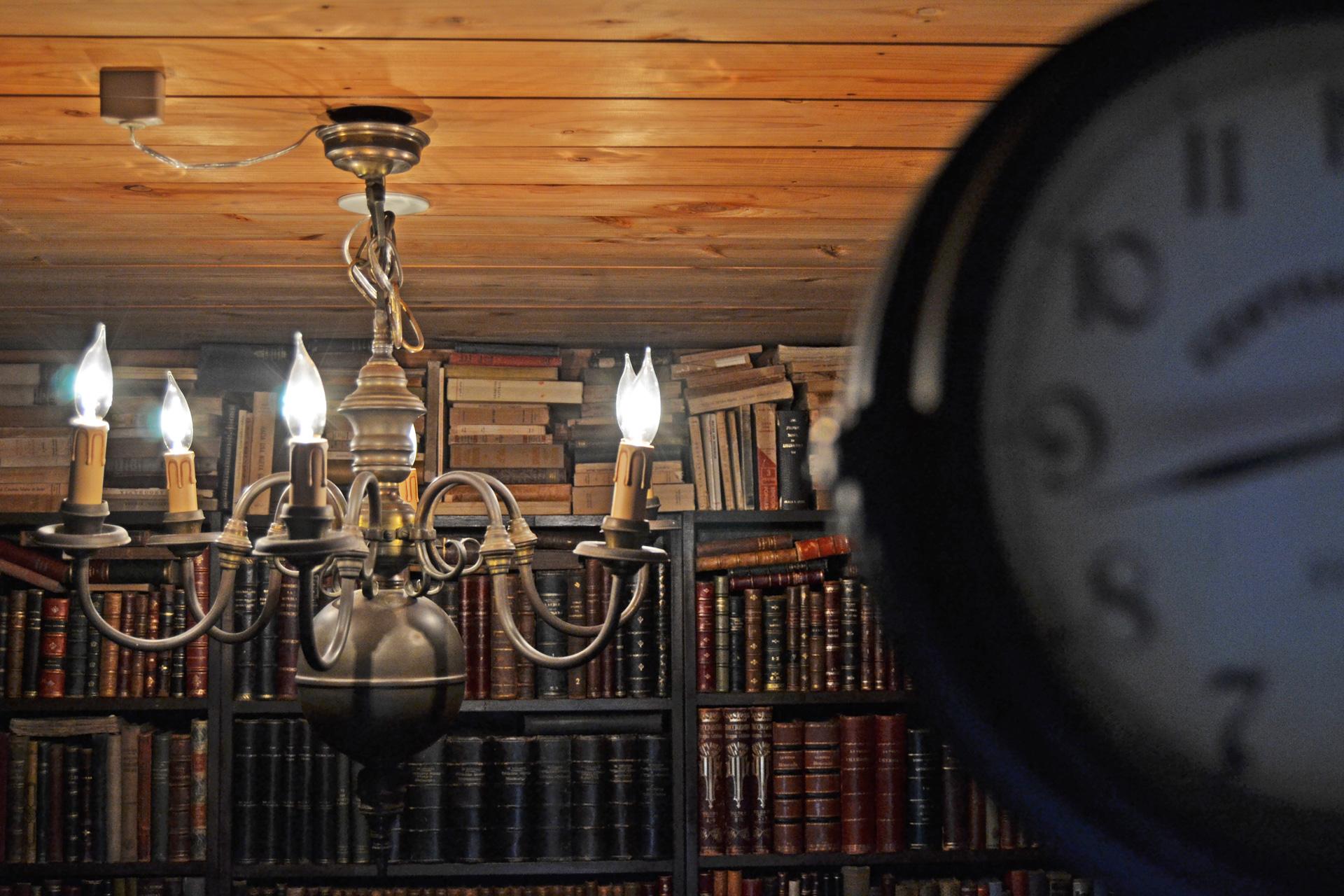アンティーク洋書のある古書堂スタジオ